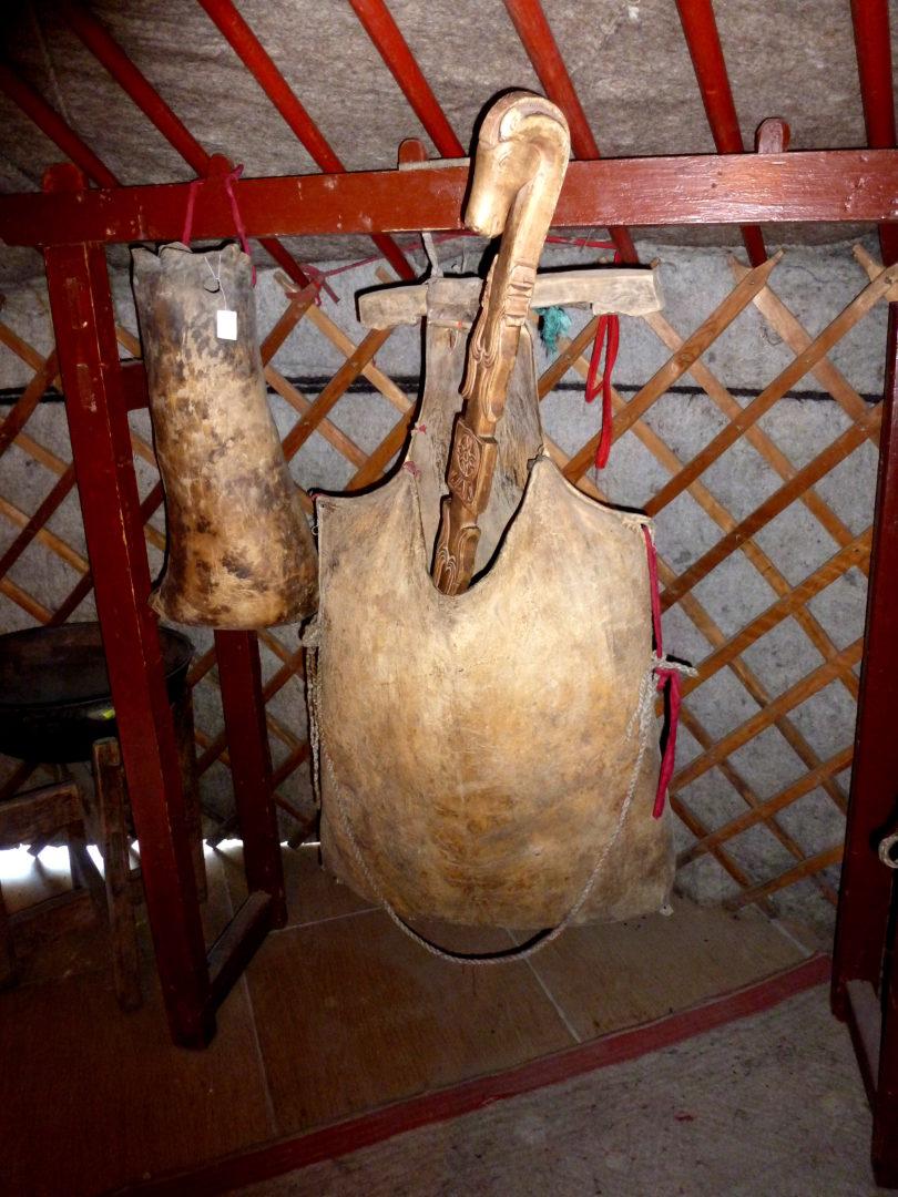 Ledergefäß zur Herstellung von Airag (Stutenmilch)