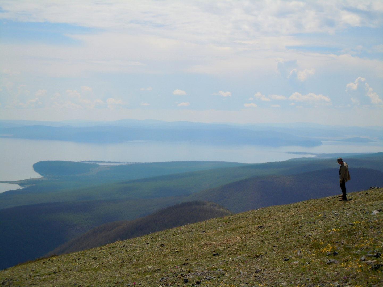Horidol-Saridag-Berg mit Blick auf Chuwsgul-See