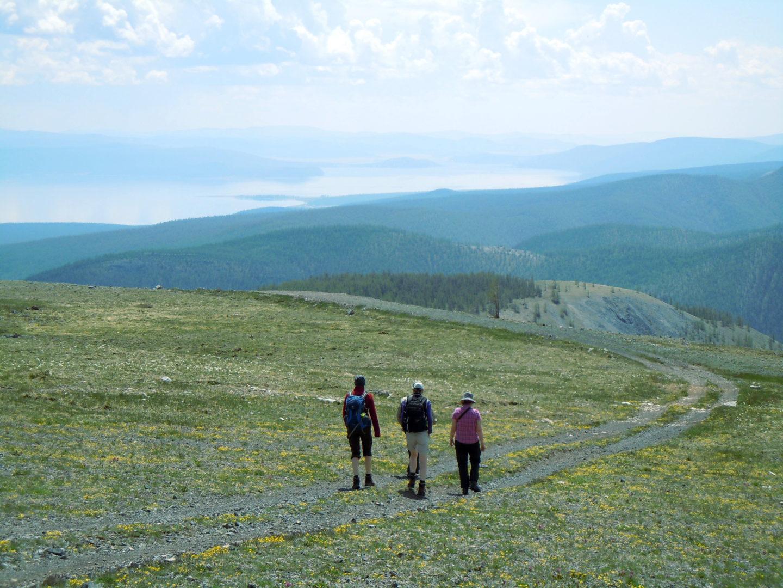 Steppe und Taiga: Wanderung am Chuwsgul-See