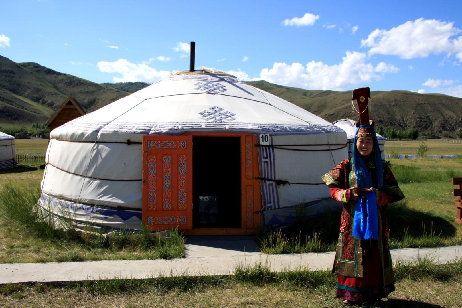 Mongolische Tracht einer adeligen Frau