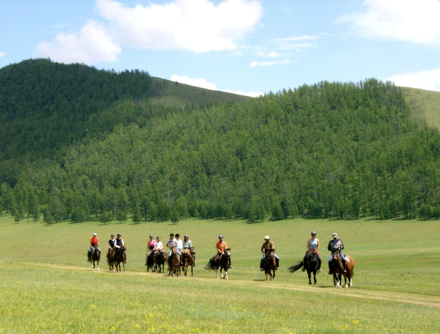 Mongolei-Reise: Reit- und Geländewagentour